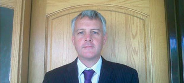 Dr. Martin Connor