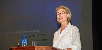 Dr Julie McCarthy