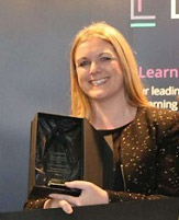 Rosarii Mannion, the HR Leader of the Year Award in December 2018